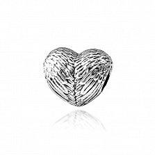 Серебряный шарм-сердце Ангельские крылья с фактурной поверхностью