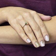 Помолвочное кольцо Санталия из красного золота с изумрудом