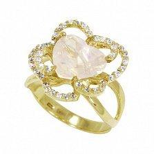Кольцо из желтого золота Сердце цветка с розовым кварцем и фианитами