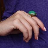 Золотое кольцо Скарабей в евро цвете с хризопразом