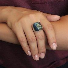 Серебряное кольцо Ветер в листве с имитацией опала