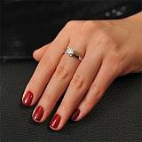 Золотое кольцо с бриллиантом Теодора