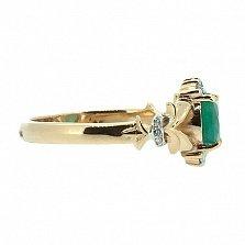 Золотое кольцо в красном цвете с изумрудом и бриллиантами Наиль