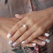 Золотое кольцо Виола с белым жемчугом и фианитами