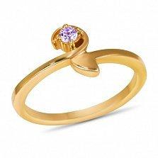 Золотое кольцо Корра в красном цвете с синтезированным аметистом