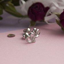 Серебряные пуссеты Изогнутое сердце с кристаллами циркония