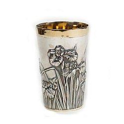 Серебряный стакан Букет ирисов с позолотой
