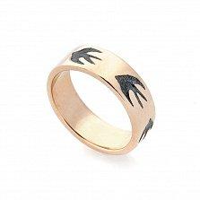 Золотое обручальное кольцо Ласточки с чернением