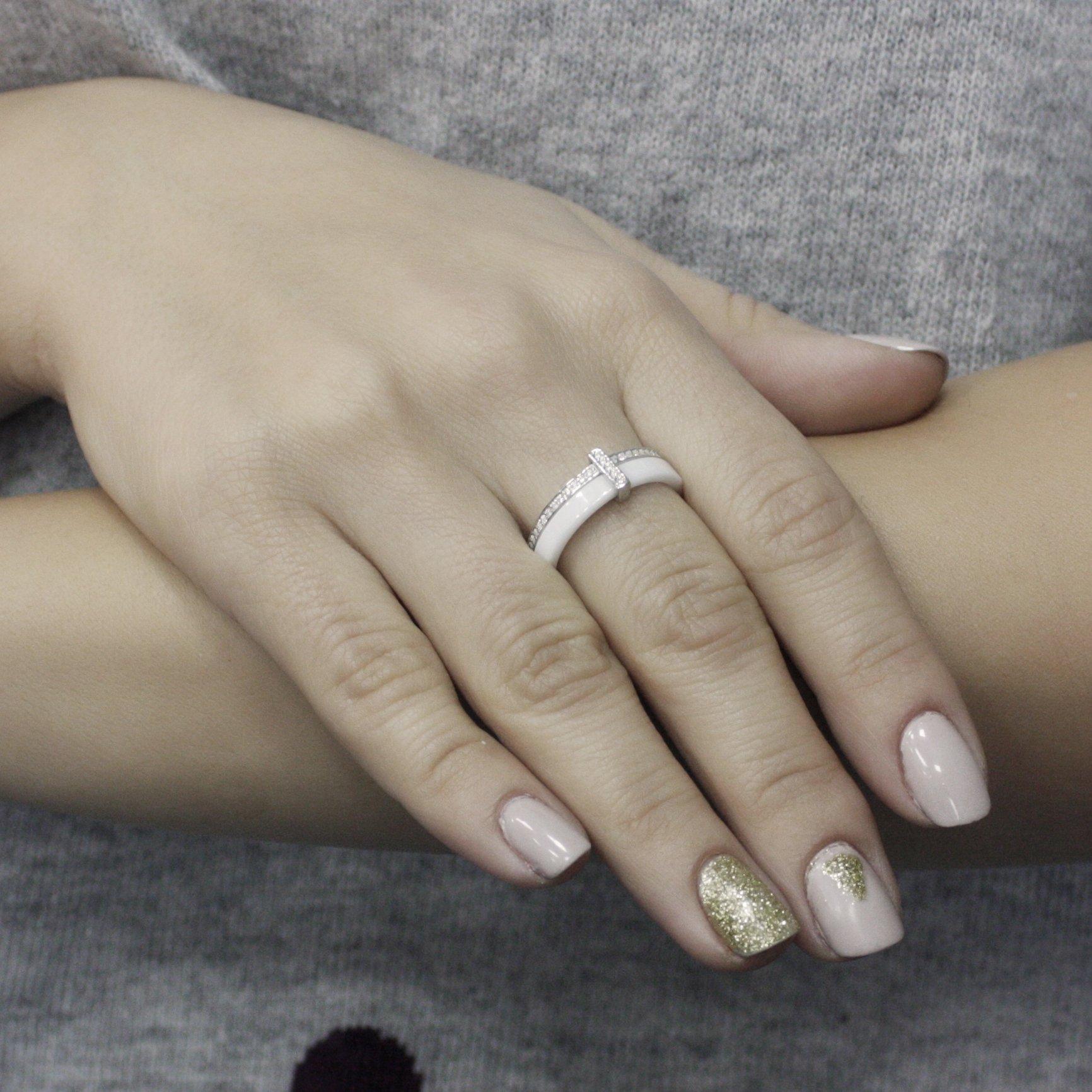 Серебряное кольцо Гарель с двойной шинкой, белой керамикой и дорожками фианитов