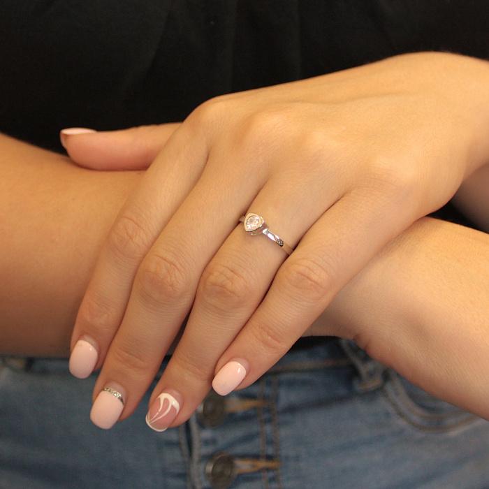 Золотое кольцо Триллион в белом цвете с белым фианитом 000080557