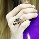 Кольцо из красного золота Королевский попугай с фианитами