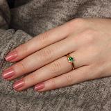 Золотое кольцо в евро цвете Аманда с изумрудом и бриллиантами