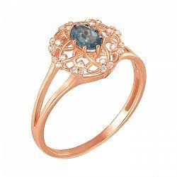 Кольцо из красного золота с голубым топазом и фианитами 000136979