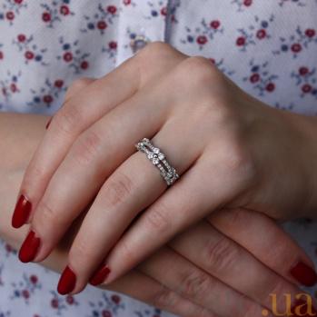 Серебряное кольцо с фианитами Илайн AUR--81003б