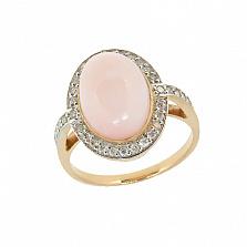 Золотое кольцо в красном цвете с розовым опалом и бриллиантами Млада