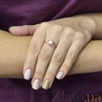 Золотое кольцо Грация с белыми жемчугом и фианитами 000096987