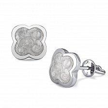 Серебряные серьги-пуссеты Клевер с белой перламутровой эмалью в стиле Ван Клиф