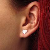 Серебряные серьги-пуссеты Узорные сердца с алмазной насечкой