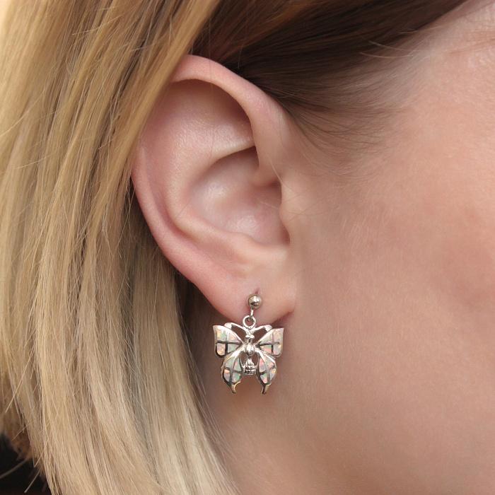 Серебряные пуссеты-подвески Радужные бабочки с белыми опалами