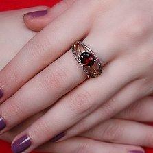 Кольцо в красном и белом золоте Маргарита с гранатом и фианитами
