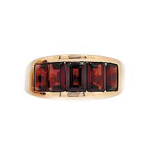 Кольцо из красного золота с гранатом Рейна