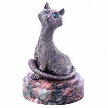Серебряная статуэтка Кошка с изумрудами на подставке из змеевика