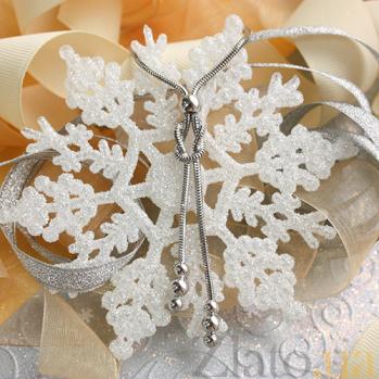 Серебряное колье Магические узлы со вставками-шарами 000060028