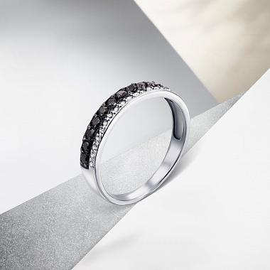 Кольцо из белого золота с черными и белыми фианитами 000104604
