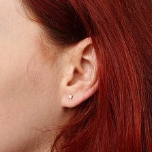 Серьга в одно ухо из желтого золота Истина с бриллиантом
