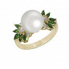 Кольцо из желтого золота Драгоценный соблазн с белым жемчугом, изумрудами и бриллиантами
