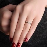 Помолвочное кольцо в белом золоте Истинное чувство с бриллиантом
