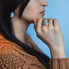 Кольцо в белом золоте Утренний цветок с голубыми топазами, халцедонами и бриллиантами