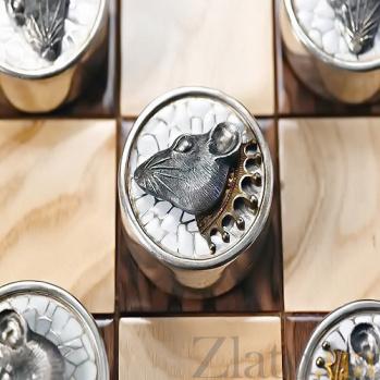 Серебряные шашки с позолотой Крысы против Ворон 718
