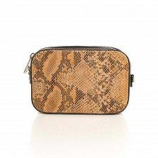 Кожаный клатч Genuine Leather 8074 под кожу рептилии в коньячном цвете с застежкой-молнией