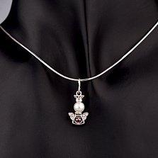 Серебряный кулон Ангелочек в короне с сердечком, имитацией жемчуга, красным и белыми фианитами