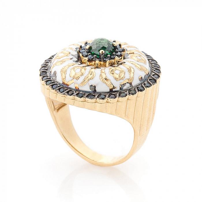 Золотое кольцо Дарина в желтом цвете с белой эмалью и фианитами 000082311