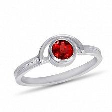 Золотое кольцо Сатурн в белом цвете с завальцованным синтезированным рубином