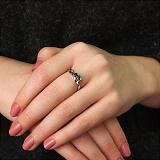 Серебряное кольцо Линг с гранатом, кристаллами зеленого кварца и фианитами