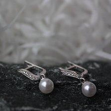 Серебряные серьги-подвески Лилея с имитацией жемчуга и фианитами