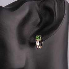 Золотые сережки Красотка с квадратными зелеными и круглыми белыми фианитами