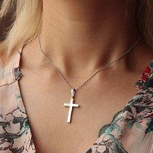 Серебряный крест Строгость и шарм в минималистичном стиле