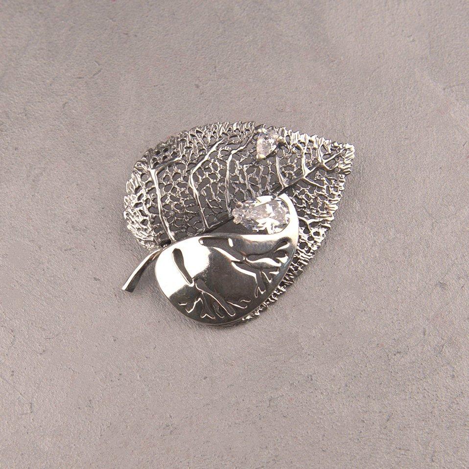 Серебряная брошь Осенний лист с фианитами