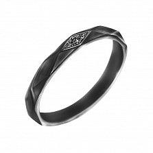 Серебряное кольцо Марина в черном цвете с геометрической насечкой и белыми фианитами