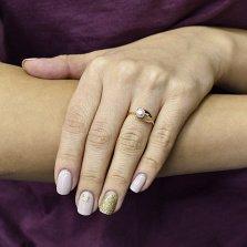 Золотое кольцо Амина в красном цвете с белым жемчугом