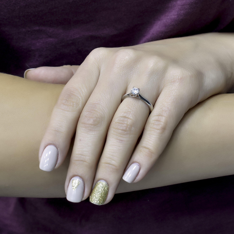 Серебряное кольцо Трепетное чувство с фианитом