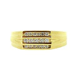 Золотой перстень в жёлтом цвете с бриллиантами Найк