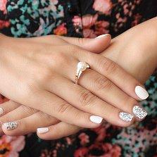 Серебряное кольцо Венера с белым жемчугом и золотой накладкой