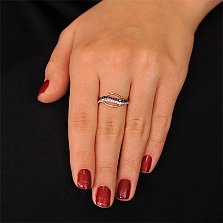 Золотое кольцо Касильда с черными и белыми фианитами
