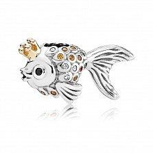 Серебряный шарм Золотая рыбка с белыми и желтыми фианитами