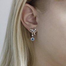 Серебряные пуссеты-подвески Банты с голубыми топазами, жемчугом и фианитами